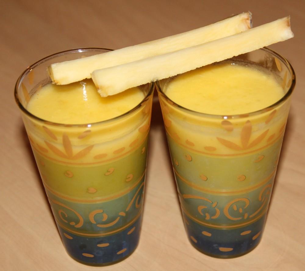 Cocktail au citron vert, ananas, gingembre et rhum