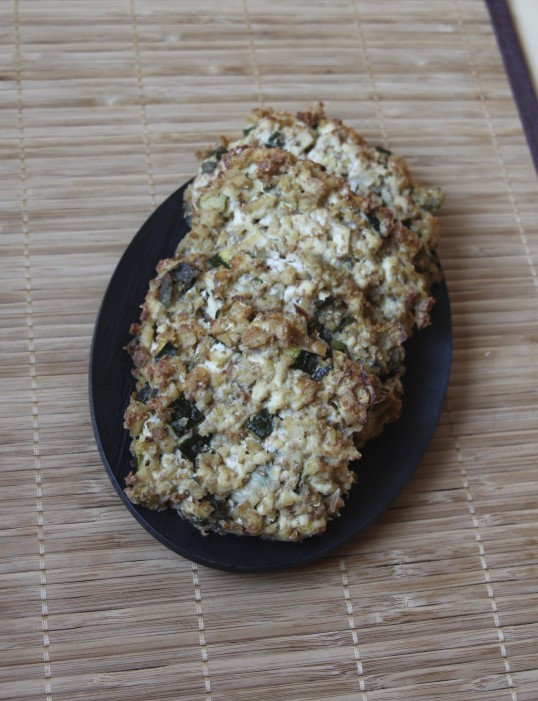 Galette tofu, courgette, quinoa, tahini