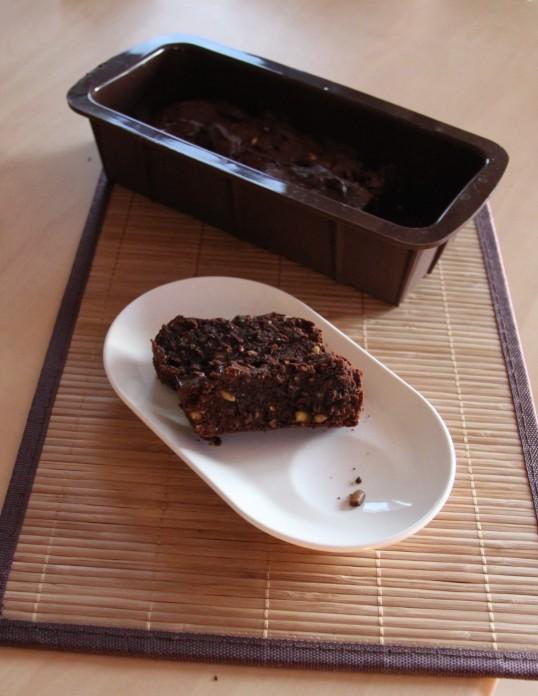 Carrés brownie au tahini, pignon, pistache, sésame