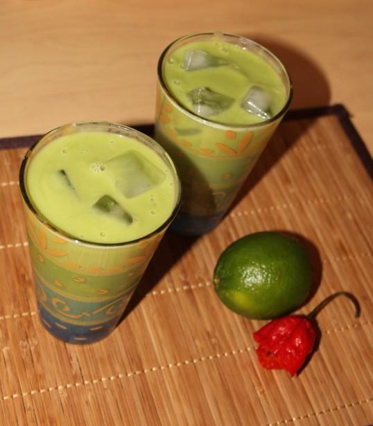 Cocktail avocat, citron vert, tequila, piment