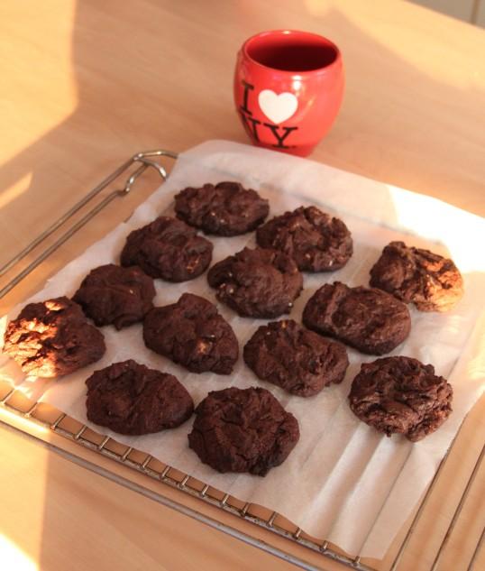 Cookies tout chocolat aux pépites de chocolat blanc