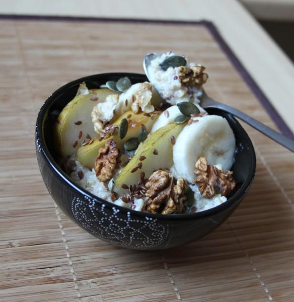 Porridge de quinoa & boulgour aux fruits secs et frais