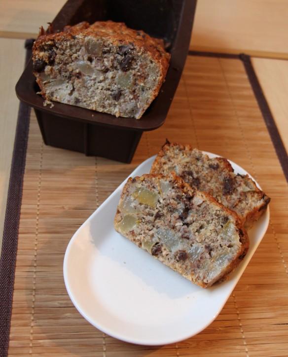 Cake moelleux aux poires, noisette & chocolat
