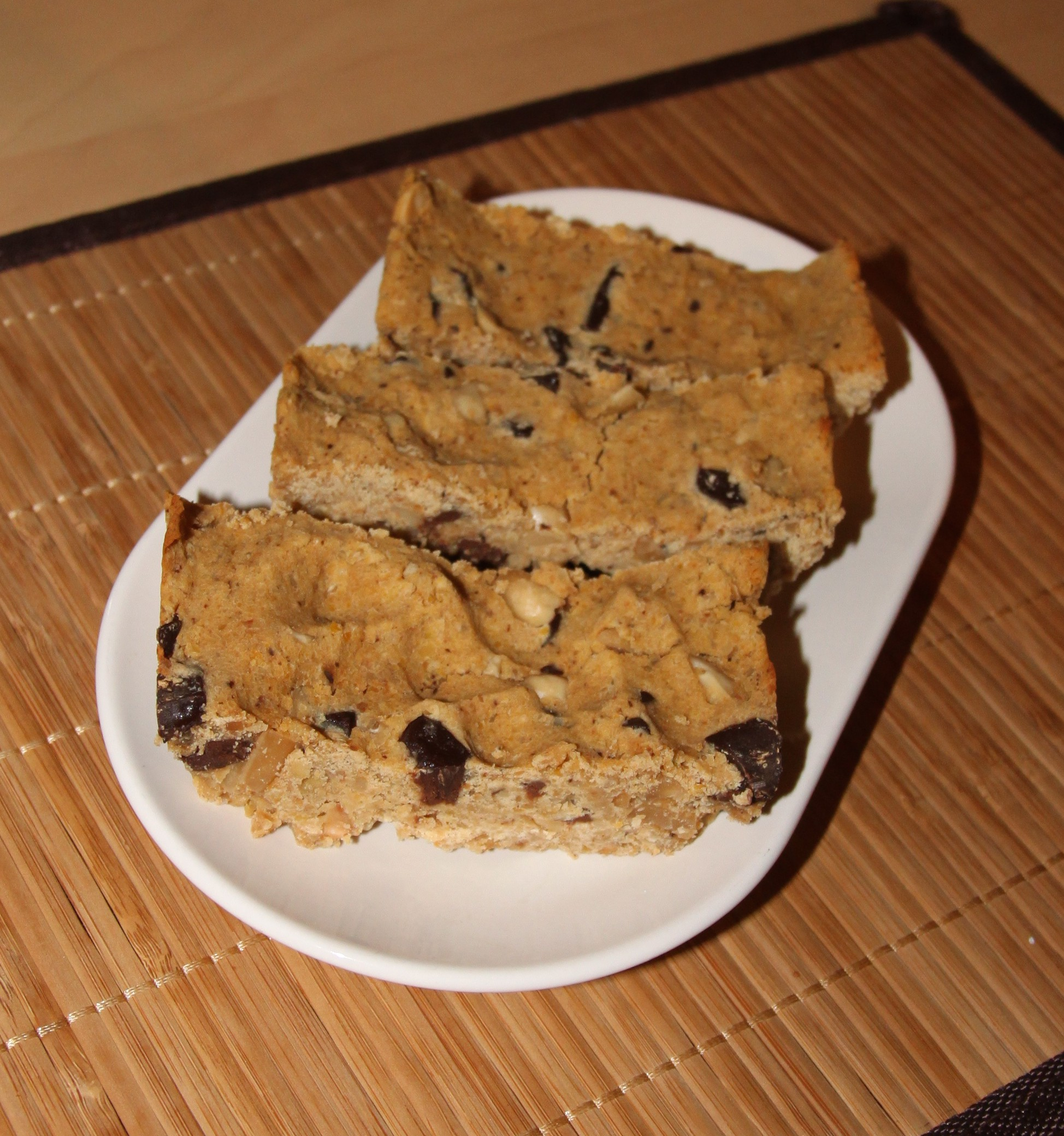 Barres au beurre de cacahuète, pois chiche et pépites de chocolat