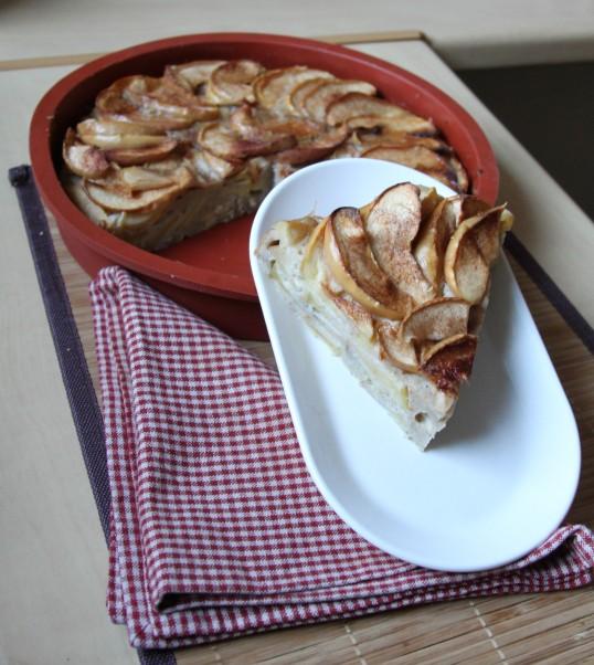 Gâteau toscan aux pommes, huile d'olive et cannelle