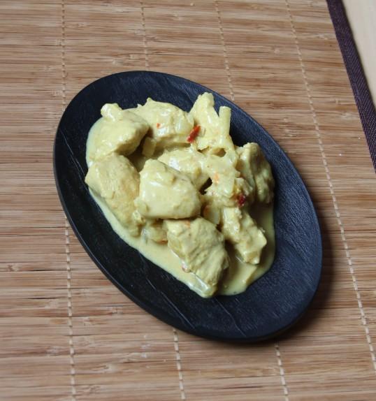 Emincé de poulet au curcuma, citron vert & gingembre