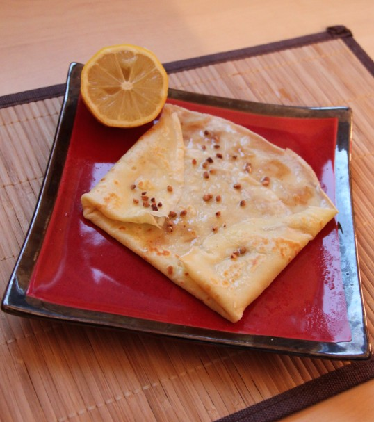 Crêpe miel de noisette, noisettes concassées et citron