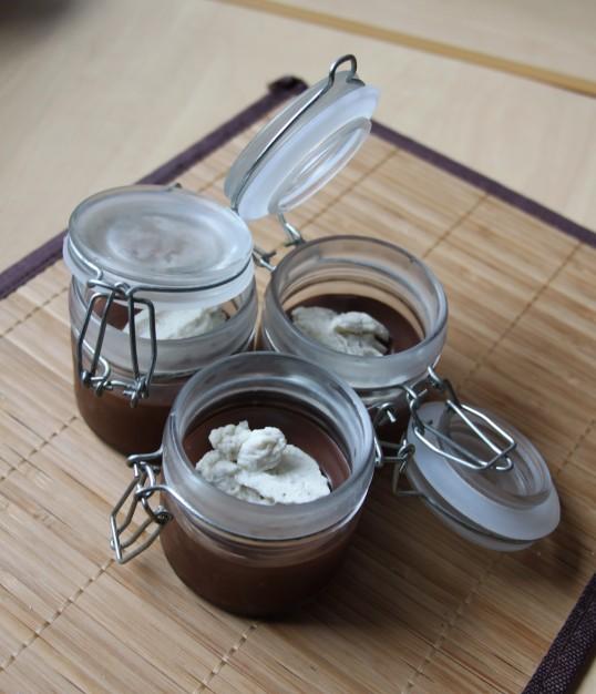 Crèmes au chocolat, quenelle de mascarpone