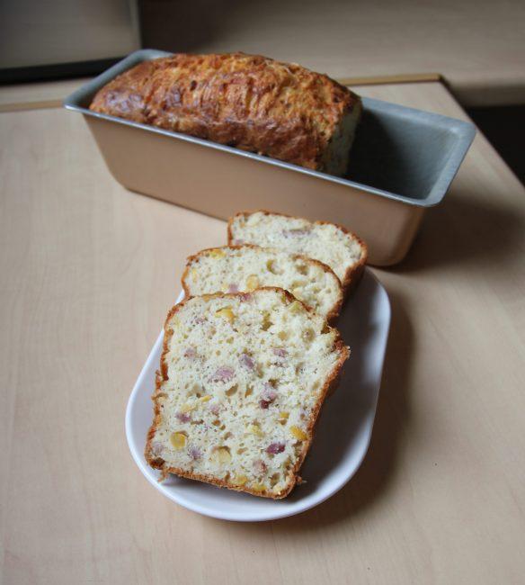 Cake au maïs & lardons