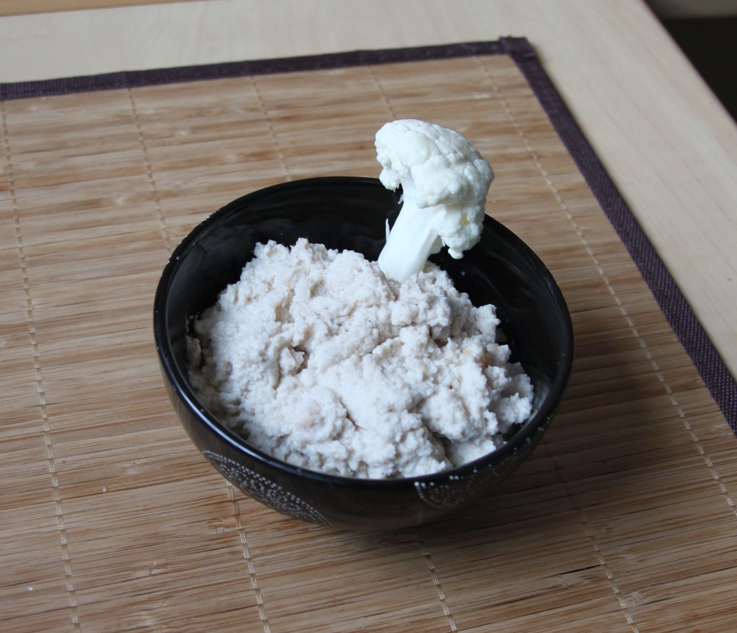 Tartinade de chou fleur au tahiné & cacahuètes