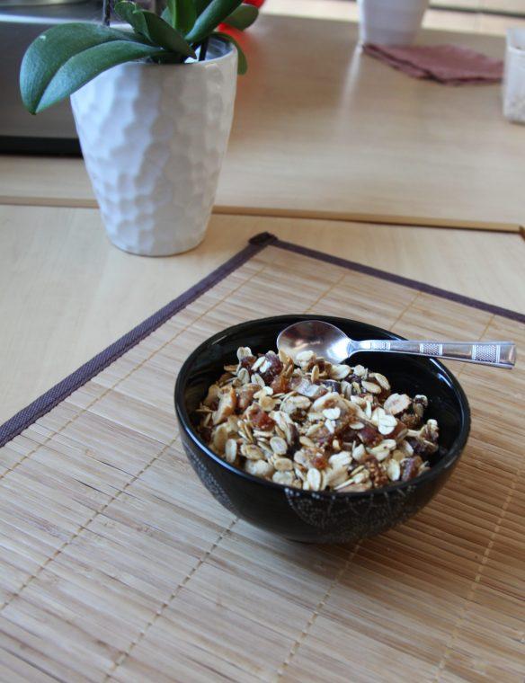 Granola cacahuètes, noisettes, figues & abricots