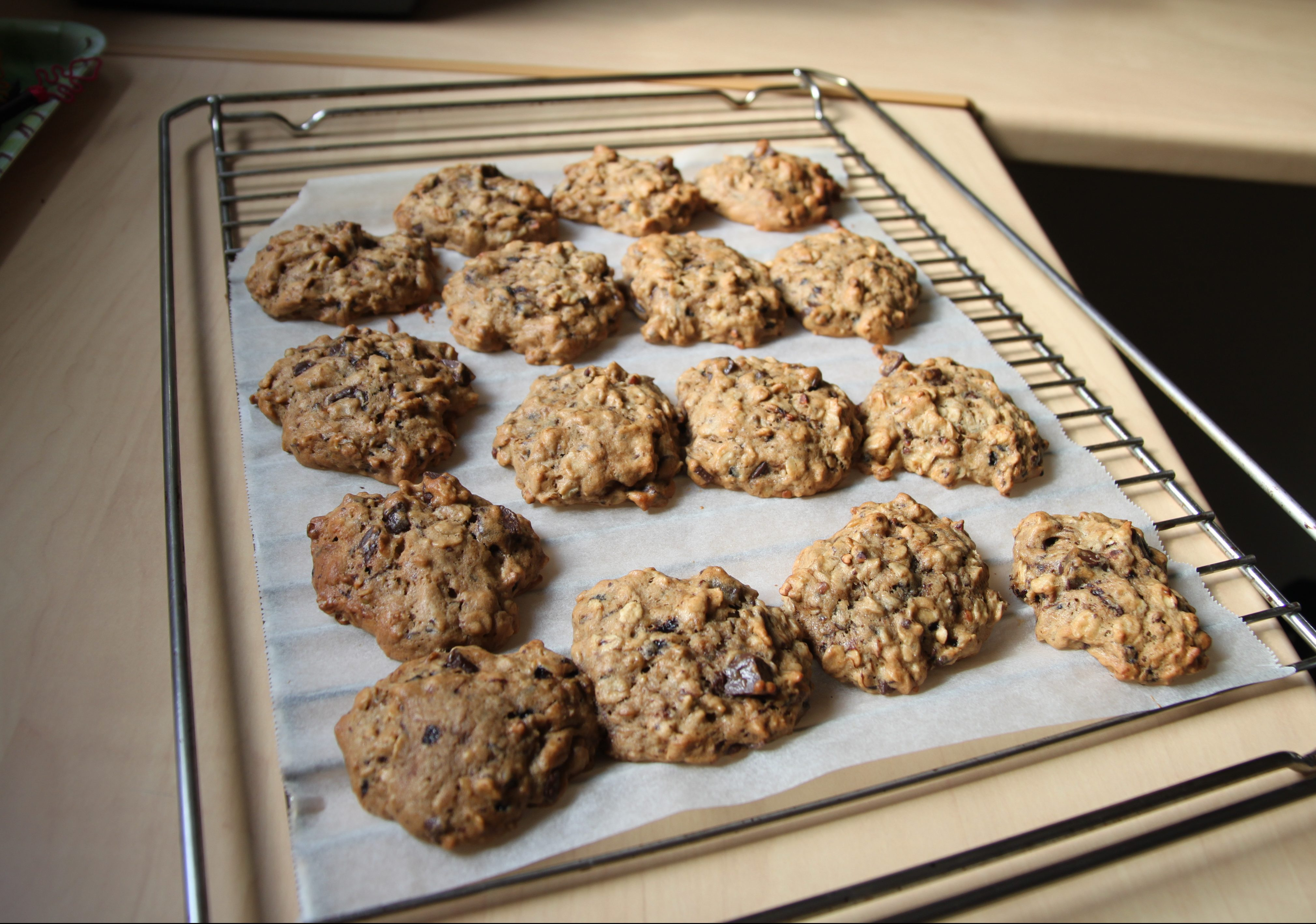 Cookies aux flocons d'avoine, banane, pépites de chocolat, café et sarrasin