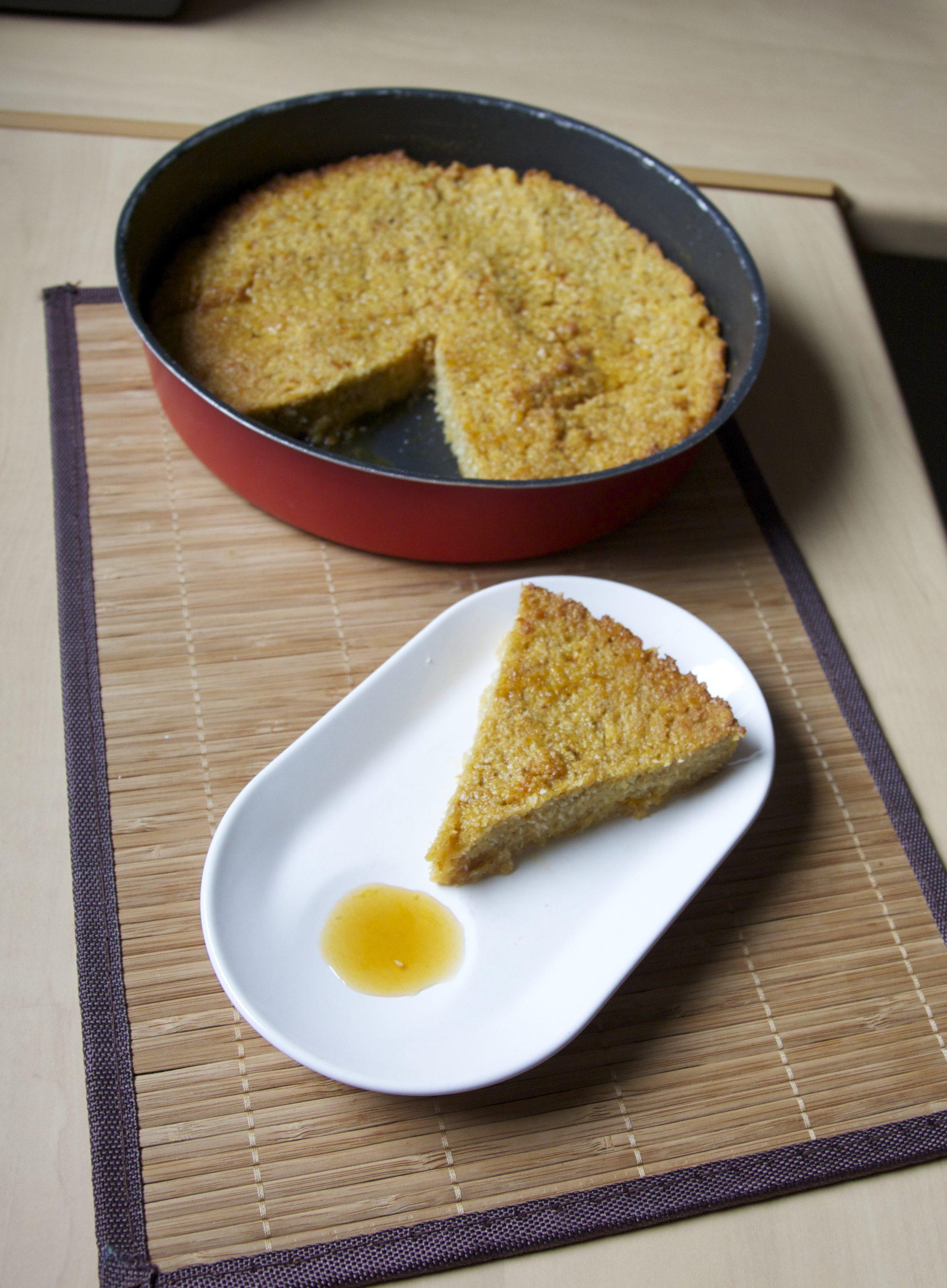 Gâteau de polenta, orange et noix de coco